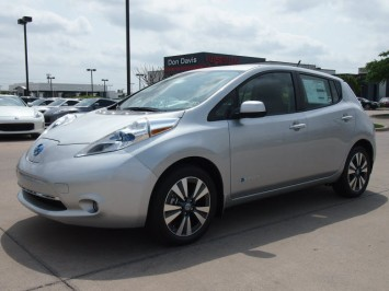 2013_nissan_leaf_sl_brilliant_silver_in_arlington_texas_3970010459708676000